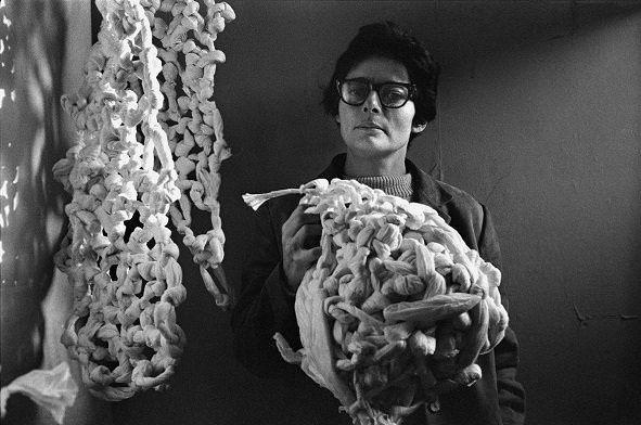 Portugal recebe grande exposição de obras de Mira Schendel